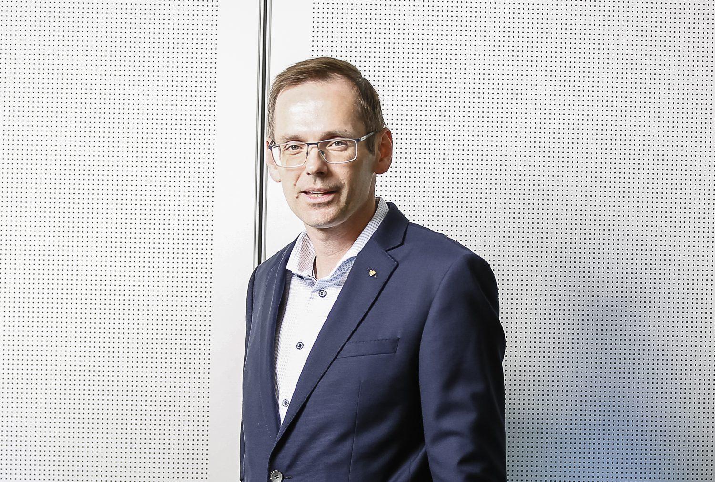 Dr. Oliver Kröpfl